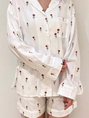 洗練された女性らしさを引き立てるモチーフパジャマ♪