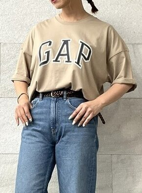 大人のロゴTシャツコーデ!
